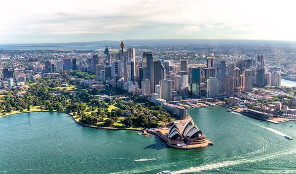 Aerial view of Sydney Harbor and Downtown Skyline, Australia - Sputnik Ўзбекистон