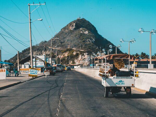 A street of the Mazatlan city, Mexico - Sputnik Ўзбекистон