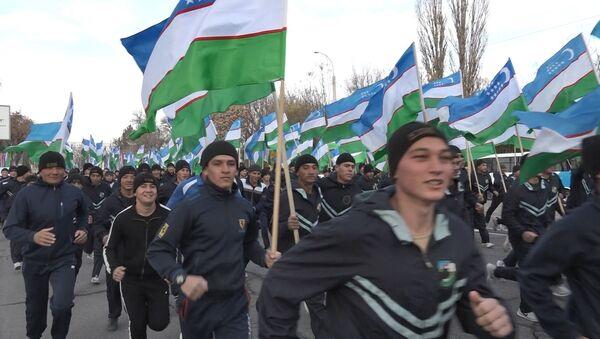 Армейский полумарафон в честь Дня Конституции Узбекистана - Sputnik Узбекистан