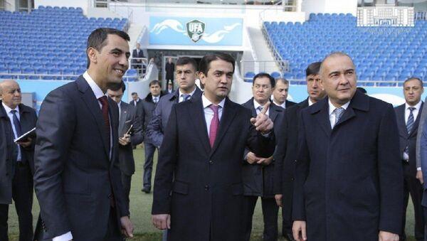 Рустам Эмомали в ходе рабочей поездки в Ташкент предложил развивать футбол вместе - Sputnik Ўзбекистон