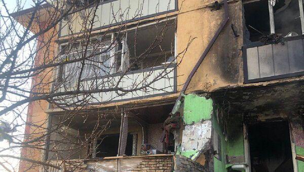 В одном из многоэтажных домов 2-го микрорайона города Андижана произошёл пожар - Sputnik Ўзбекистон