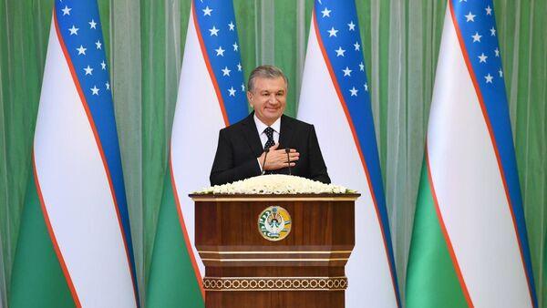 Шавкат Мирзиёев поздравил Узбекистан с Днем конституции - Sputnik Ўзбекистон