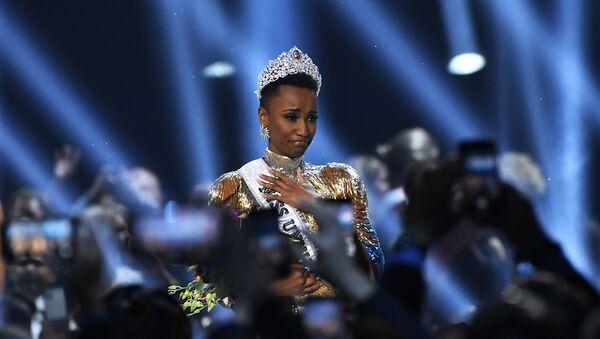 Победительница конкурса Мисс Вселенная Зозибини Тунзи - Sputnik Узбекистан
