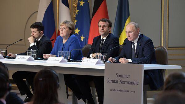 Rabochiy vizit prezidenta RF V. Putina vo Frantsiyu  - Sputnik Oʻzbekiston