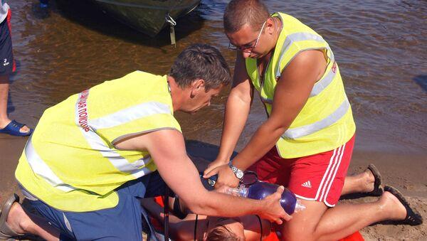 Учения спасателей на пляже - Sputnik Ўзбекистон
