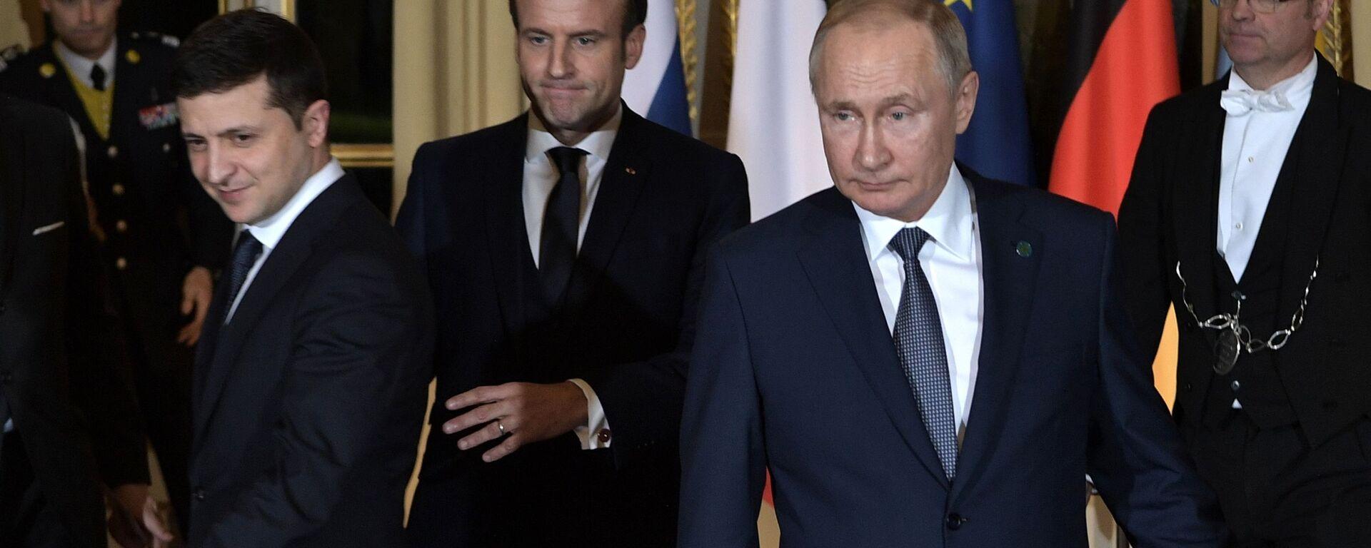 Рабочий визит президента РФ В. Путина во Францию  - Sputnik Узбекистан, 1920, 10.06.2021