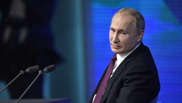 Yejegodnaya bolshaya press-konferentsiya prezidenta RF V. Putina - Sputnik Oʻzbekiston