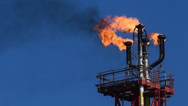 Нефтяное месторождение им. В. Филановского - Sputnik Узбекистан