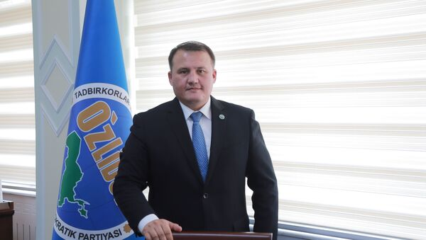 Predsedatel ispolkoma partii UzLiDeP Aktam Xaitov - Sputnik Oʻzbekiston