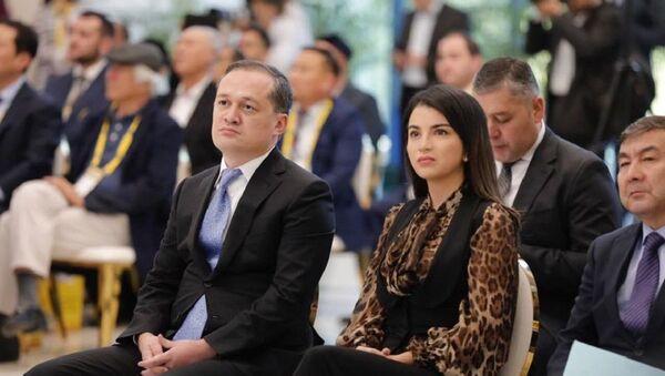 Комил Алламжонов и Саида Мирзиёева  - Sputnik Узбекистан