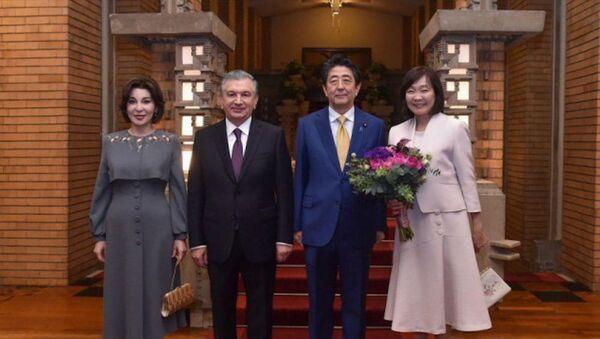 Президент Узбекистана с супругой побывали на торжественном приеме в Японии - Sputnik Узбекистан