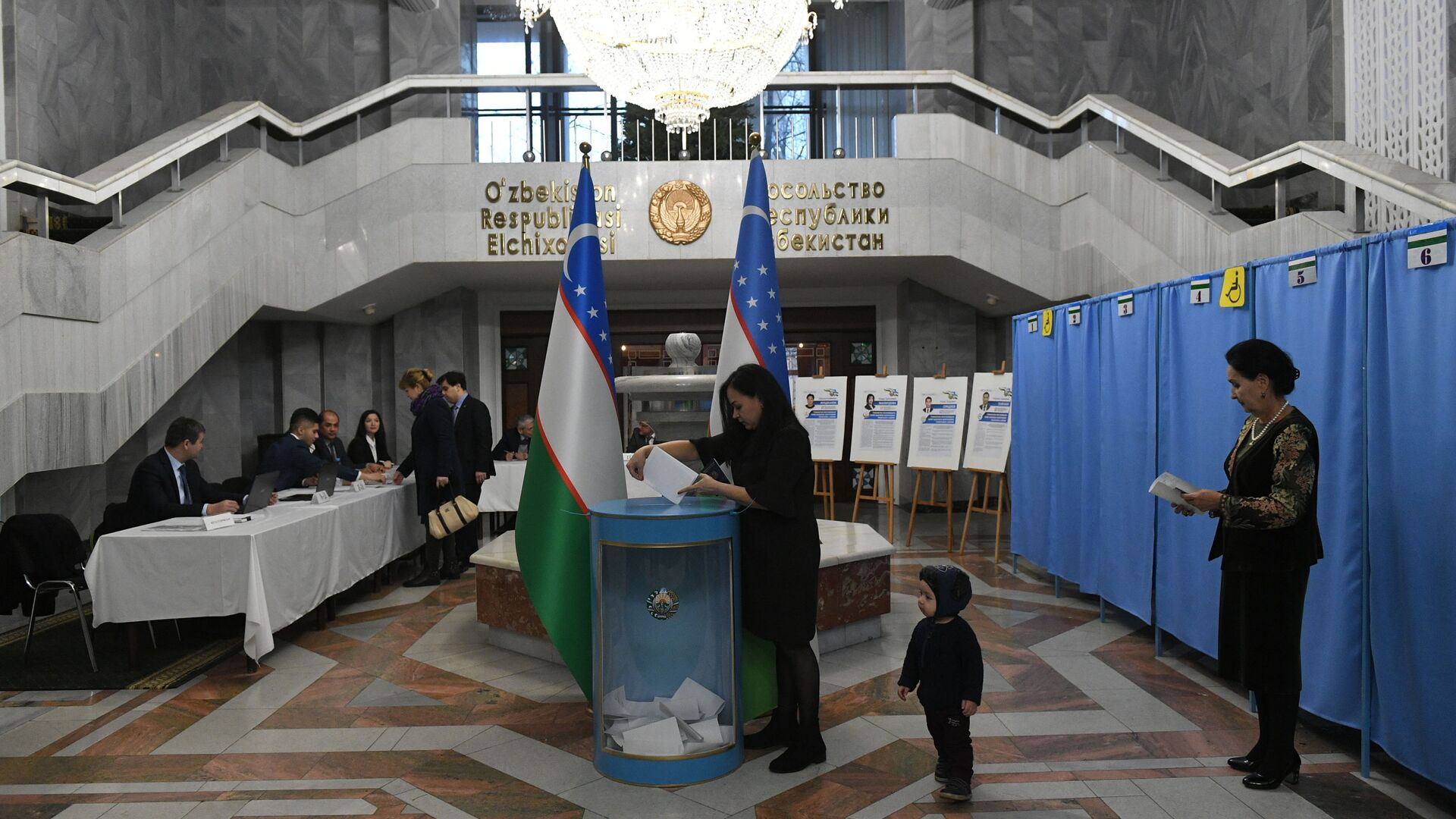 Как голосовали узбекистанцы в Москве на парламентских выборах - Sputnik Ўзбекистон, 1920, 04.10.2021