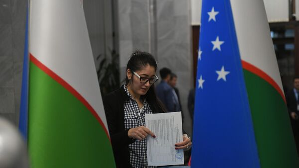 Kak golosovali uzbekistantsы v Moskve na parlamentskix vыborax - Sputnik Oʻzbekiston