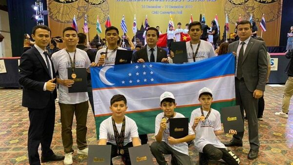 Семь медалей завоевала Сборная Узбекистана на международном конкурсе робототехники - Sputnik Узбекистан