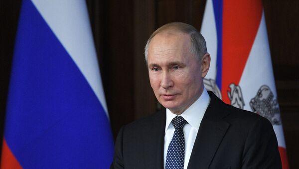 Президент РФ В. Путин принял участие в заседании расширенной коллегии Миниобороны РФ - Sputnik Ўзбекистон