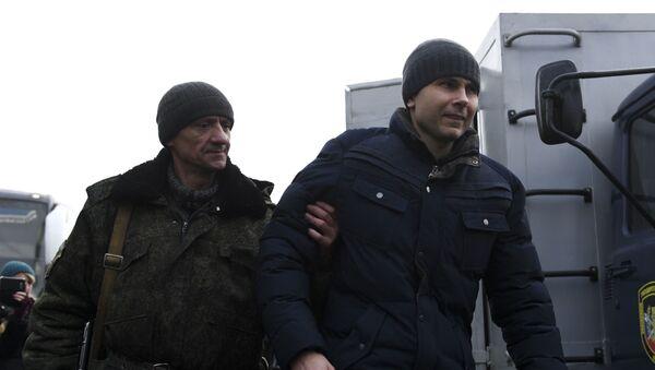 Обмен военнопленными между ДНР, ЛНР и Украиной в Донецкой области - Sputnik Ўзбекистон
