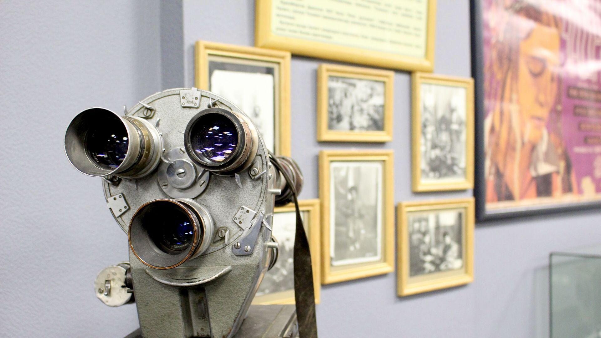 Кинокамера для документальной съемки - Sputnik Узбекистан, 1920, 28.09.2021