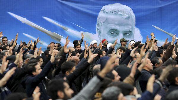Участники антиамериканской демонстрации в Тегеране, Иран - Sputnik Ўзбекистон