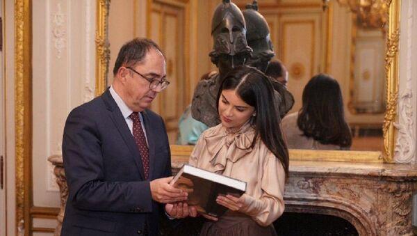 Саида Мирзиёева рассказала о выставке Узбекистана в Лувре - Sputnik Узбекистан