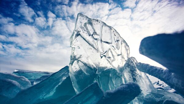Лед на озере Байкал - Sputnik Ўзбекистон