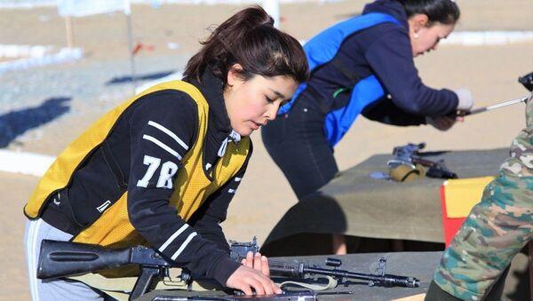 В Нукусе состоялась военно-спортивная эстафета - Sputnik Ўзбекистон