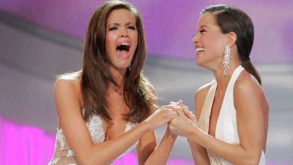 Мисс Америка 2006 Дженнифер Берри после победы на конкурсе красоты - Sputnik Узбекистан