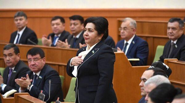 Танзила Нарбаева во время заседания Сената - Sputnik Узбекистан