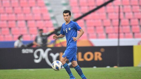 Футболист молодежной сборной Узбекистана U-23 - Sputnik Узбекистан