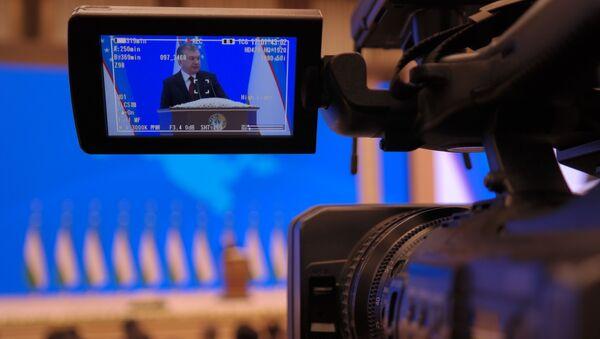 Poslaniye prezidenta Uzbekistana Shavkata Mirziyoyeva Oliy Majlisu - Sputnik Oʻzbekiston