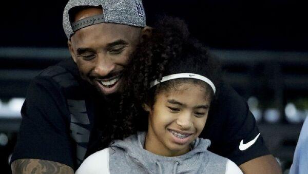 Легенда НБА Коби Брайнт погиб с дочерью при крушении вертолета в Калифорнии - Sputnik Узбекистан