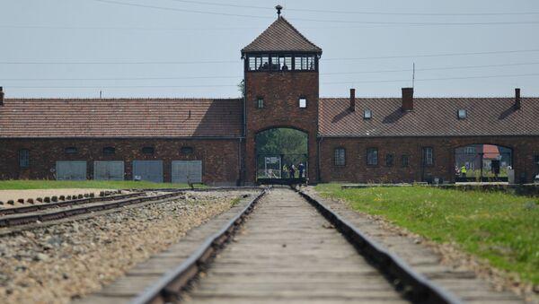 Бывший нацистский концлагерь Аушвиц-Биркенау в Освенциме. - Sputnik Ўзбекистон