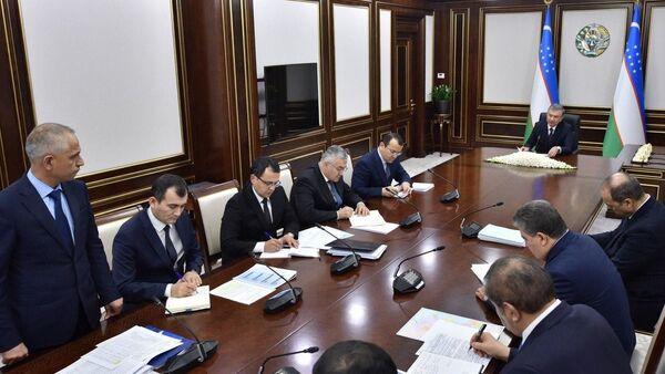 Шавкат мирзиёев провел собрание посвященное проблемам в сфере транспорта - Sputnik Ўзбекистон