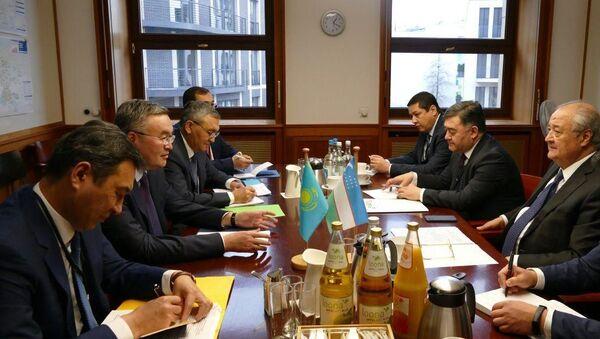Главы МИД Узбекистана и Казахстана - Sputnik Узбекистан