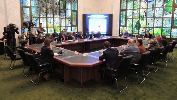 Круглый стол в посольстве Узбекистана в Москве по посланию президента Олий Мажлису - Sputnik Узбекистан