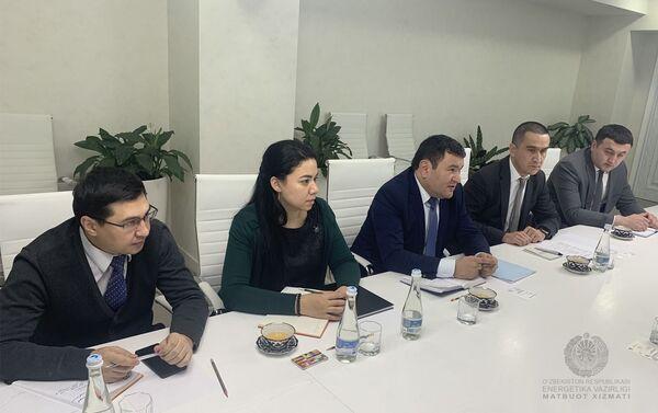 Переговоры с делегацией Всемирного банка во главе с региональным директором ВБ по инфраструктуре в Европе и ЦА Лучио Монари - Sputnik Узбекистан