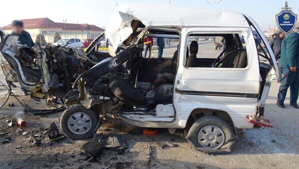 Трагедия в Сырдарьинской области: пять человек погибли в ДТП - фото - Sputnik Ўзбекистон