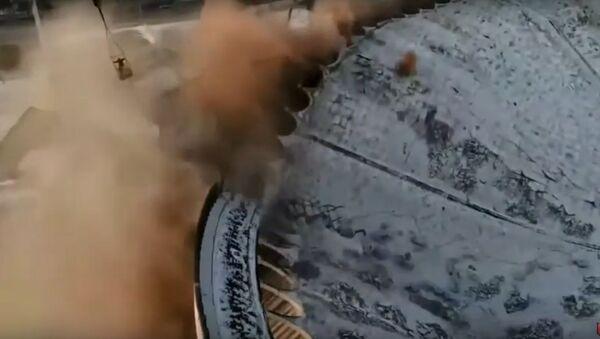 В Санкт-Петербурге во время демонтажа СКК «Петербургский» мужчину насмерть завалило крышей - Sputnik Узбекистан