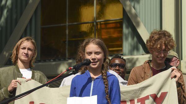 Митинг с участием экоактивистки Греты Тунберг в США - Sputnik Ўзбекистон