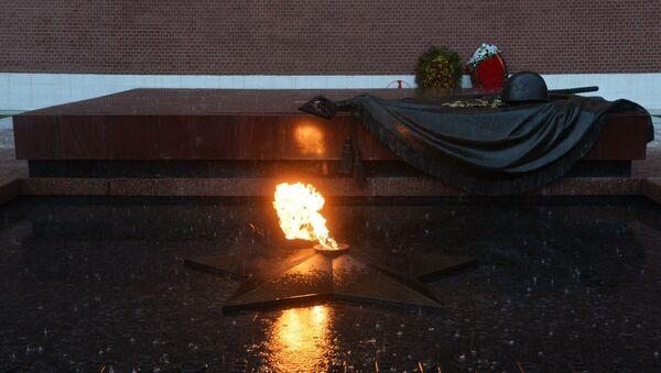 Мемориал Могила Неизвестного Солдата в Александровском саду в Москве. - Sputnik Узбекистан