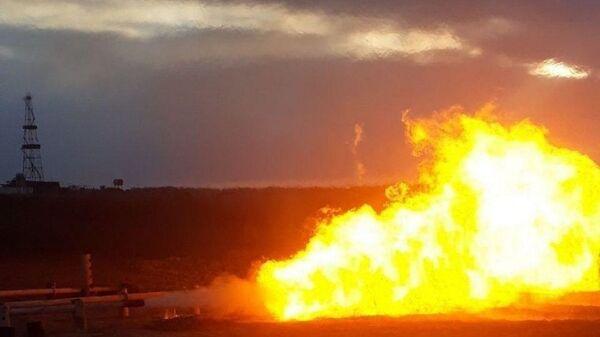 В Муйнаке из двух вновь пробуренных скважин начали добывать природный газ - Sputnik Узбекистан
