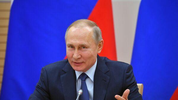Президент РФ В. Путин встретился с рабочей группой по подготовке поправок в Конституцию - Sputnik Ўзбекистон