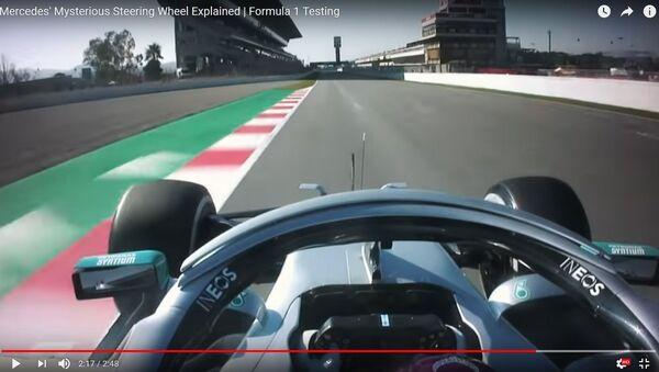 DAS штурвал: в Mercedes придумали, как продлить живучесть шин - видео - Sputnik Узбекистан