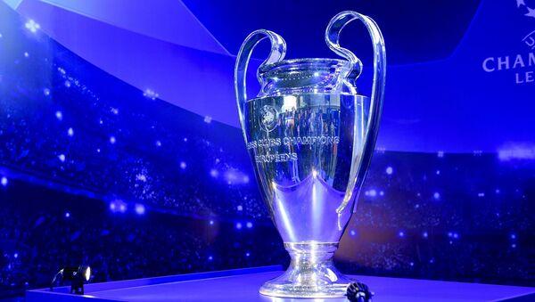 Кубок Лиги чемпионов УЕФА впервые привезли в Ташкент - Sputnik Ўзбекистон