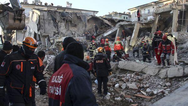 Последствия землетрясения на востоке Турции - Sputnik Ўзбекистон