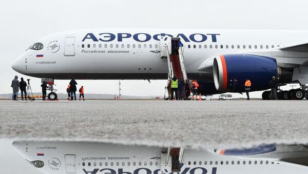 Дальнемагистральный широкофюзеляжный пассажирский самолет Airbus A350-900 авиакомпании Аэрофлот - Sputnik Ўзбекистон