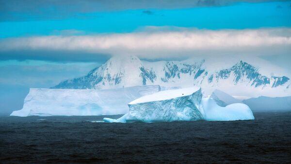 Мыс Маскар на острове Аделейд в Антарктиде - Sputnik Ўзбекистон