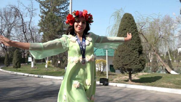 Участница благотворительного марафона для помощи онкобольным детям - Sputnik Узбекистан
