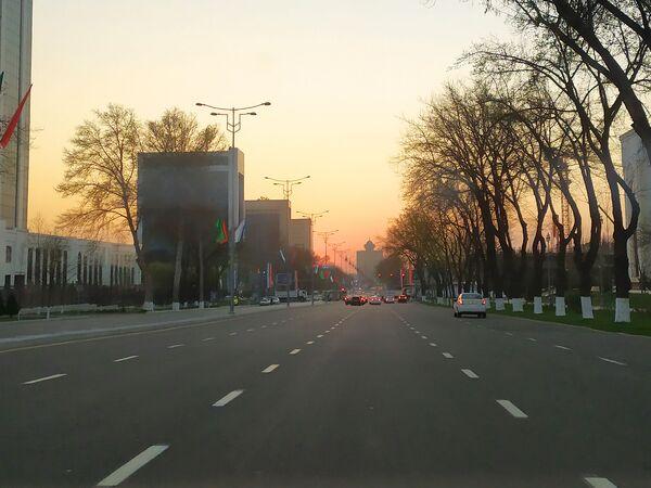 В последние 2-3 дня низкий трафик благодаря чему почти нет пробок - Sputnik Ўзбекистон