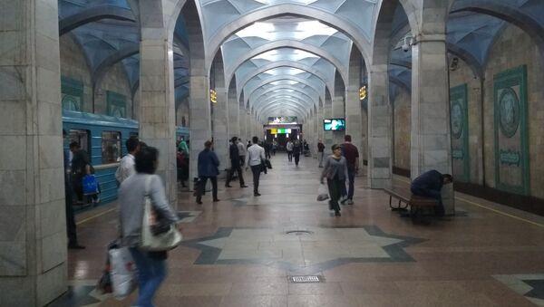 Никакой паники в метро.Регулярно проводтся дезинфекция всех станций - Sputnik Узбекистан