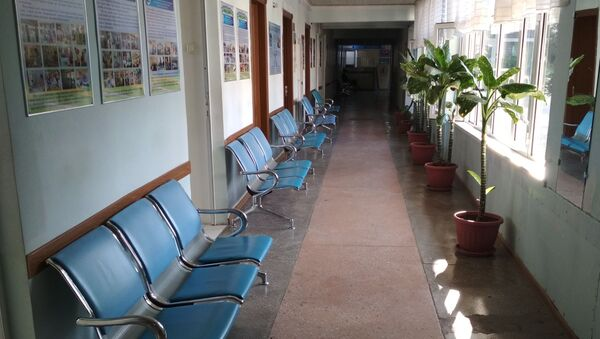 Одна из стоматологических поликлиник. Пациентов во время карантина стало меньше. - Sputnik Ўзбекистон